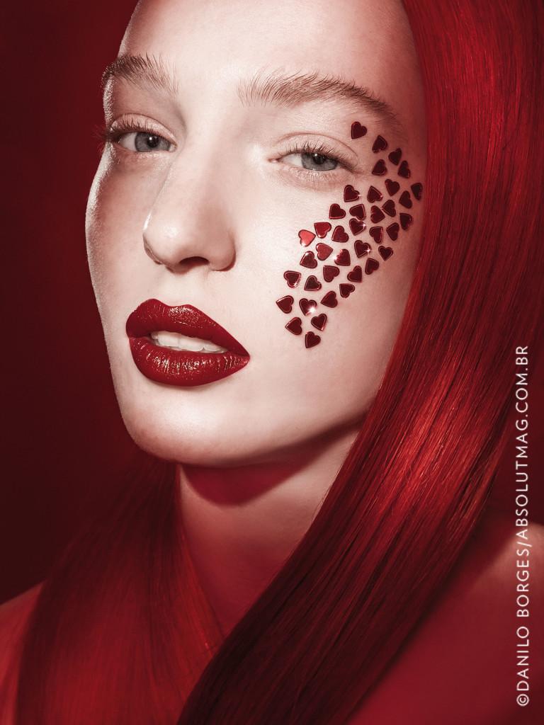 Look de Diego Américo, vencedor da categoria Melhor Maquiagem Editorial na 8ª edição do prêmio