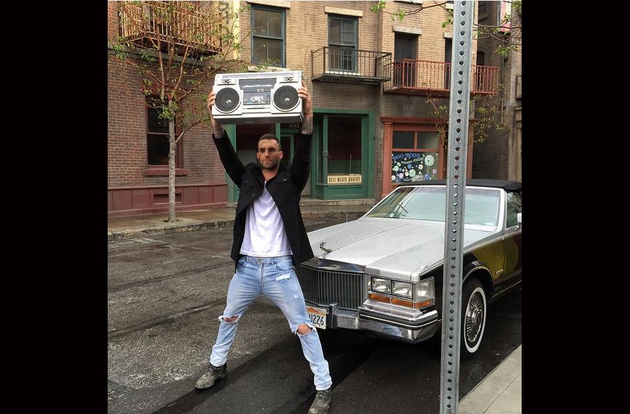 Adam Levine (vocalista da banda Maroon 5)