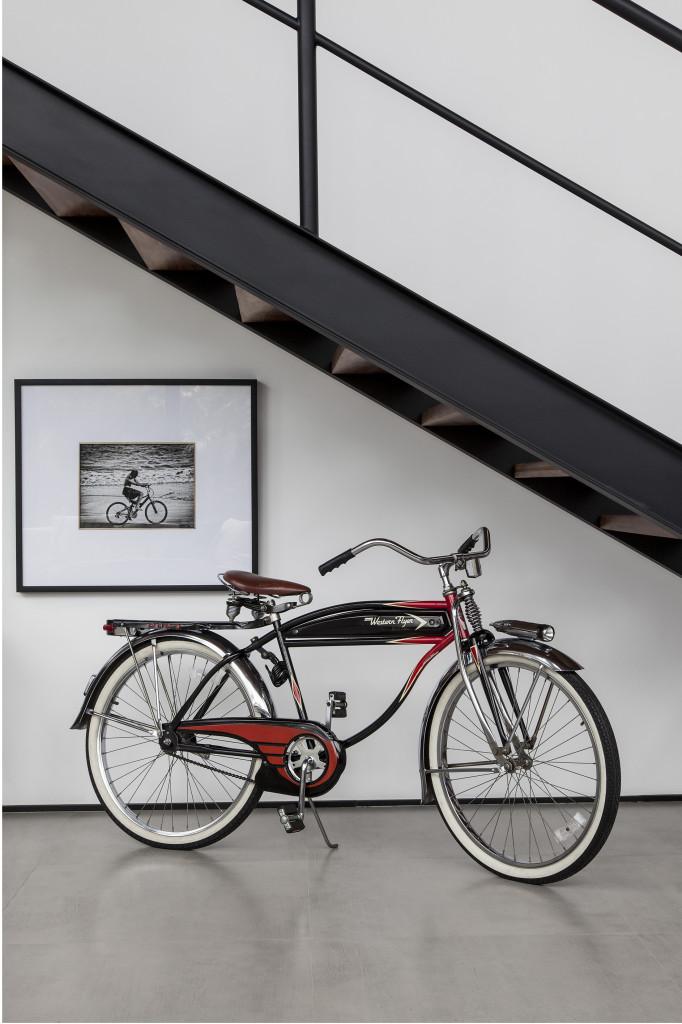 4 projetos mostram como fazer da bicicleta o foco principal da decoração
