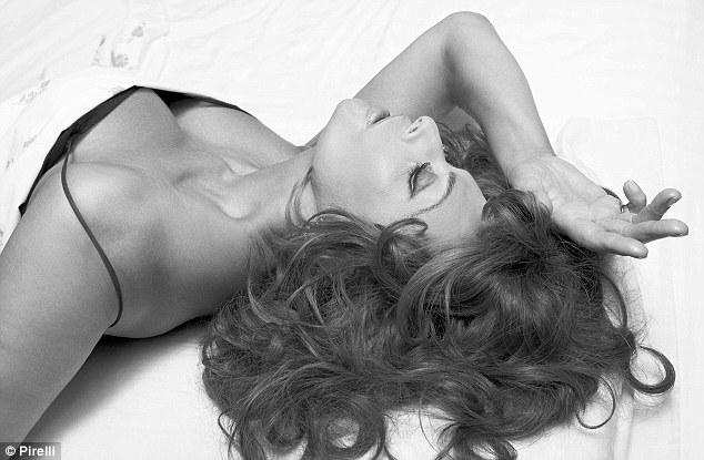 sophia_pirelli_2007